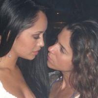 Vanessa Terkes y Maya Zapata: La foto lésbica en Bolero de noche