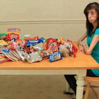 Lizzie Velásquez: Come cada 15 minutos, 60 veces al día y no puede engordar
