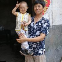 Huang Kaiquan: Pelea con altura para ser el hombre más pequeño del mundo