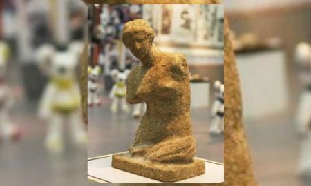 Estatua de Excremento vale 45 mil dolares.