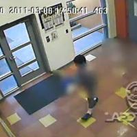 Detenido chico de 15 años por caminar desnudo dentro de la escuela